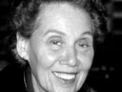 Estela Bravo